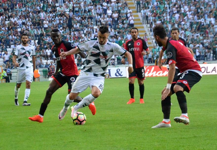 Konyaspor-Gençlerbirliği maçından kareler 17