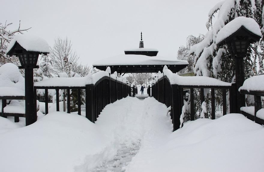 Japon Parkı'nda kar güzelliği 2