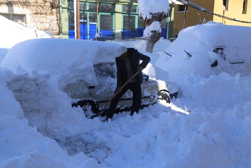 Hadim'de  kar kalınlığı 3 metreyi aştı 2