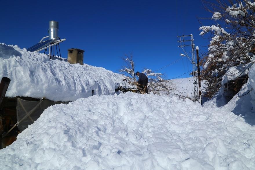 Hadim'de  kar kalınlığı 3 metreyi aştı 3
