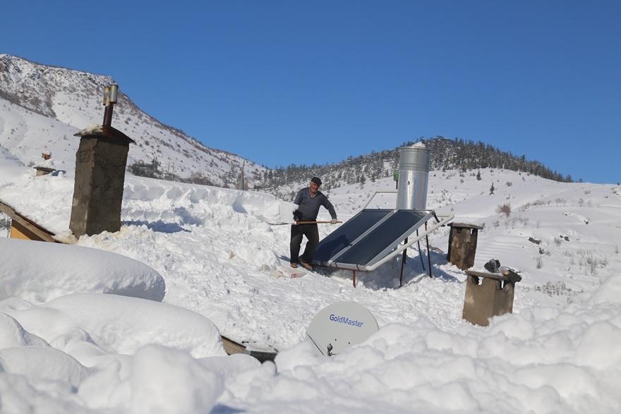 Hadim'de  kar kalınlığı 3 metreyi aştı 4