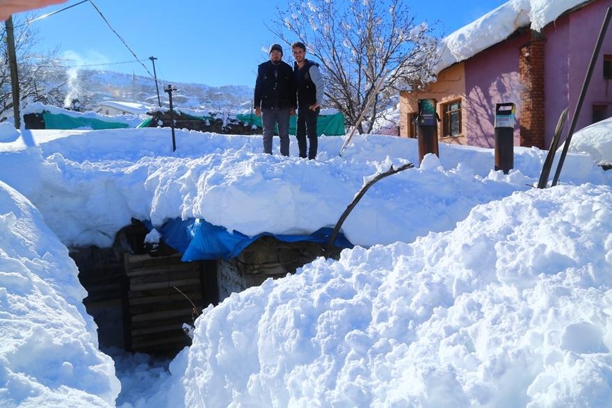Hadim'de  kar kalınlığı 3 metreyi aştı 5