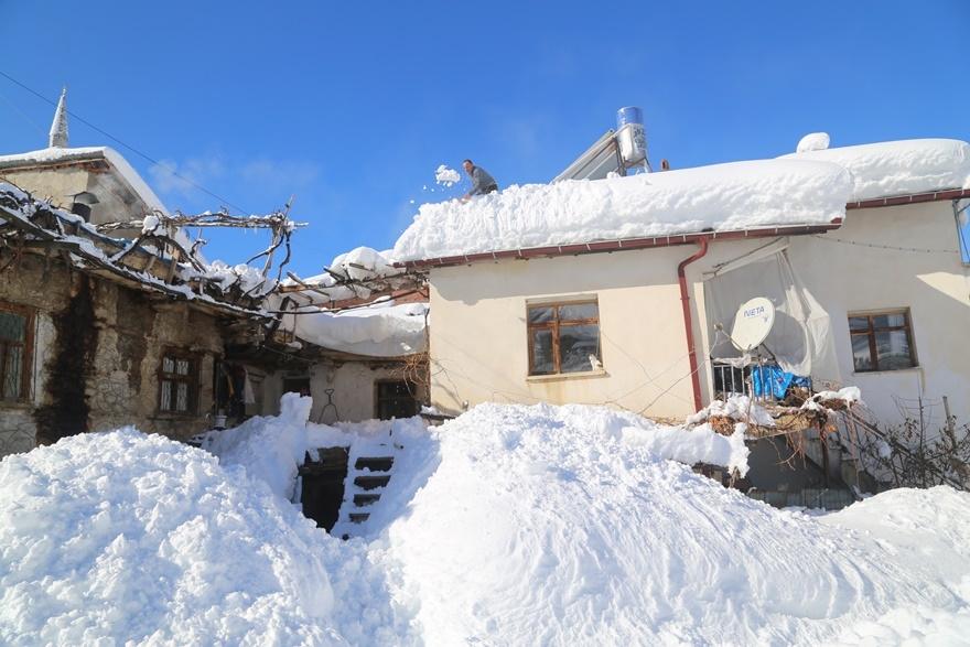 Hadim'de  kar kalınlığı 3 metreyi aştı 7