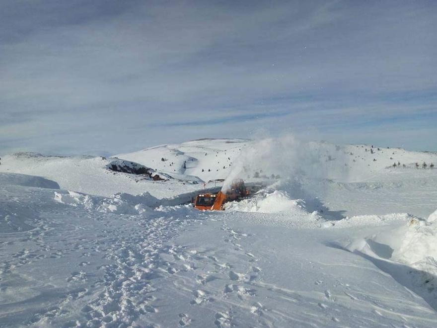 Taşkent'te kar 5 metreyi buldu 1