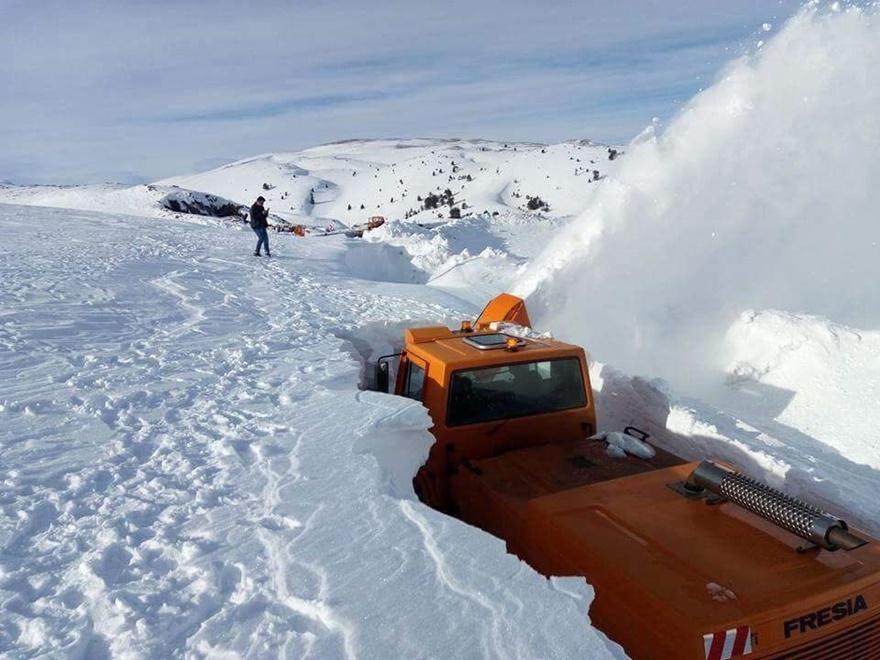 Taşkent'te kar 5 metreyi buldu 3