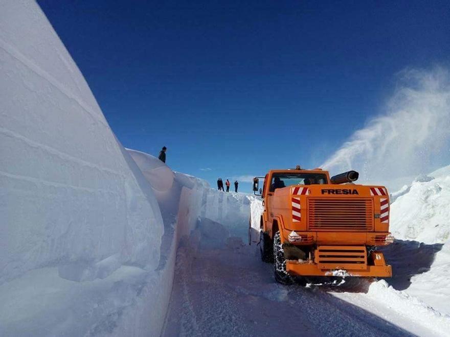 Taşkent'te kar 5 metreyi buldu 4