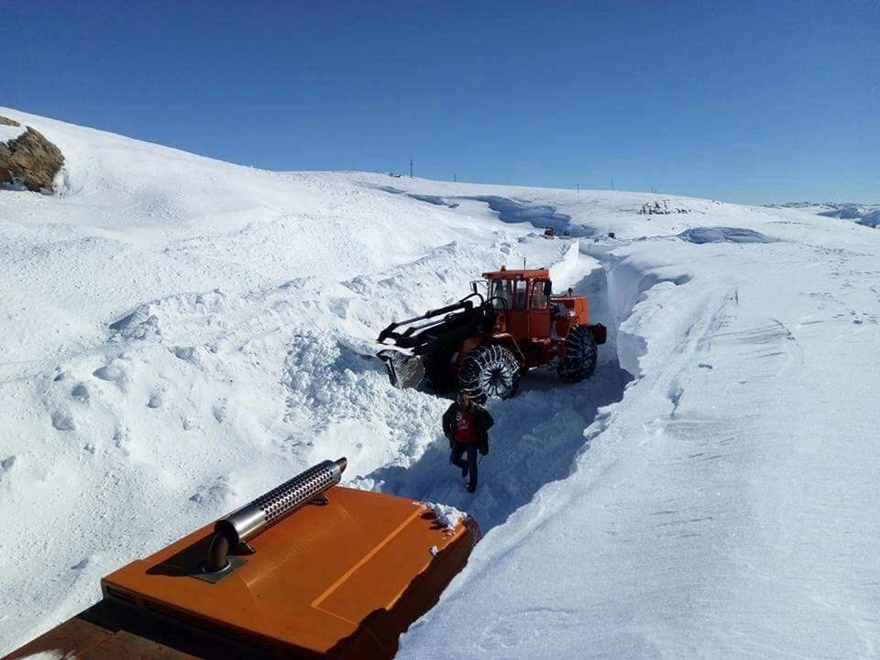 Taşkent'te kar 5 metreyi buldu 7