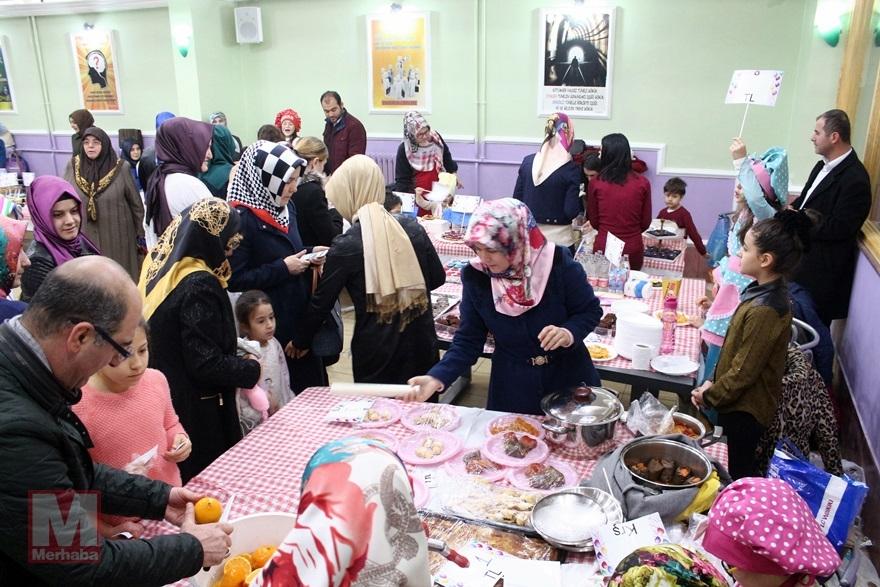 Miniklerinden Halep'teki kardeşlerine yardım 15