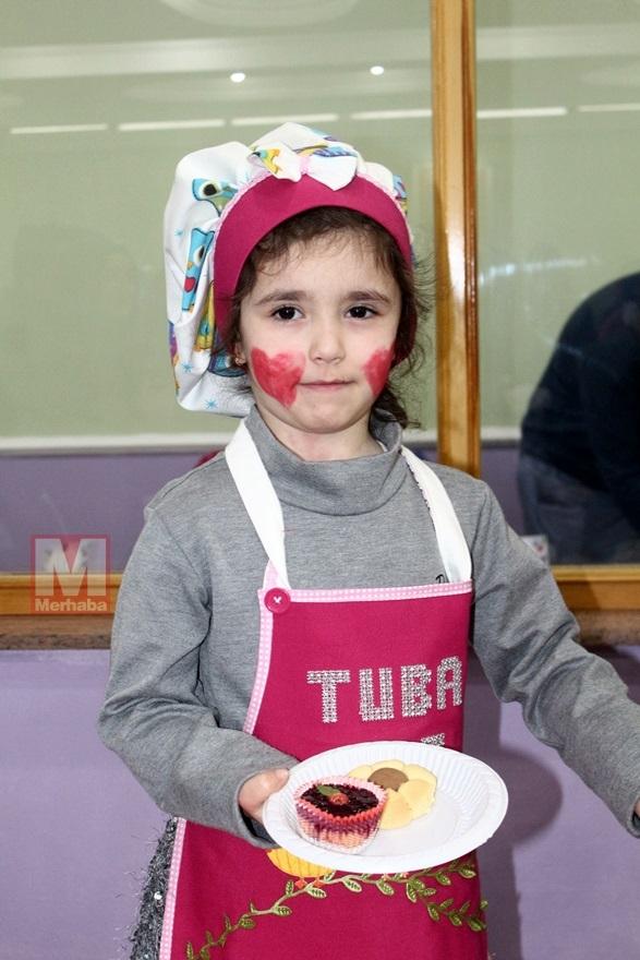 Miniklerinden Halep'teki kardeşlerine yardım 3