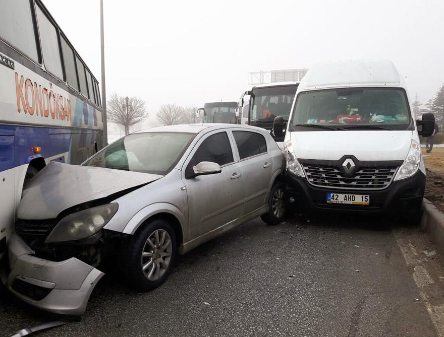 Konya'da zincirleme trafik kazası 10