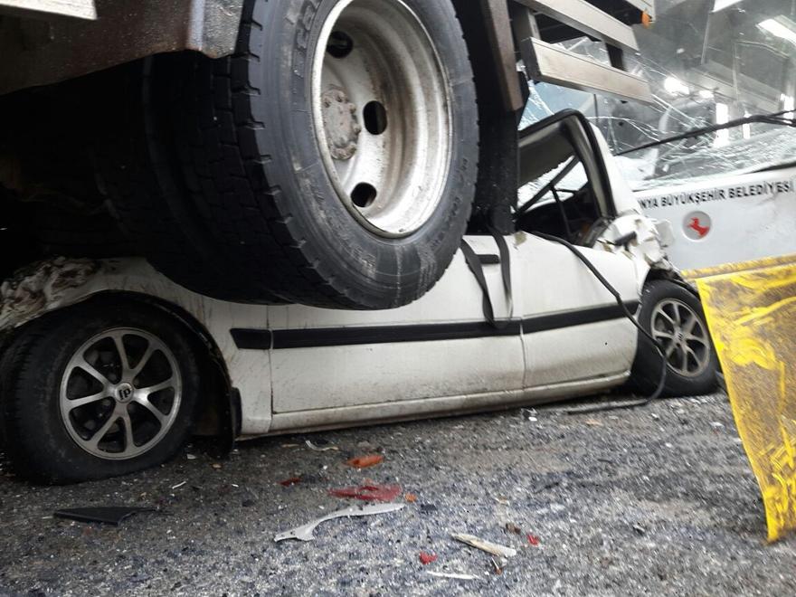 Konya'da zincirleme trafik kazası 11