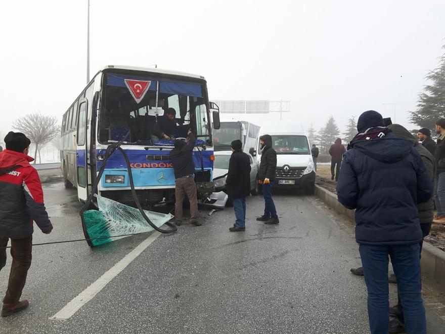 Konya'da zincirleme trafik kazası 12
