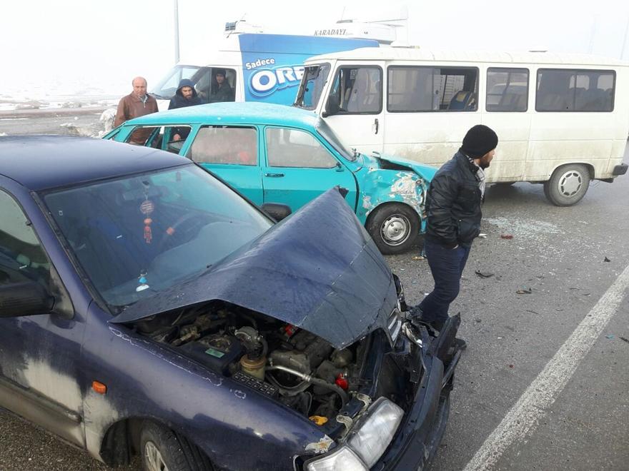 Konya'da zincirleme trafik kazası 13