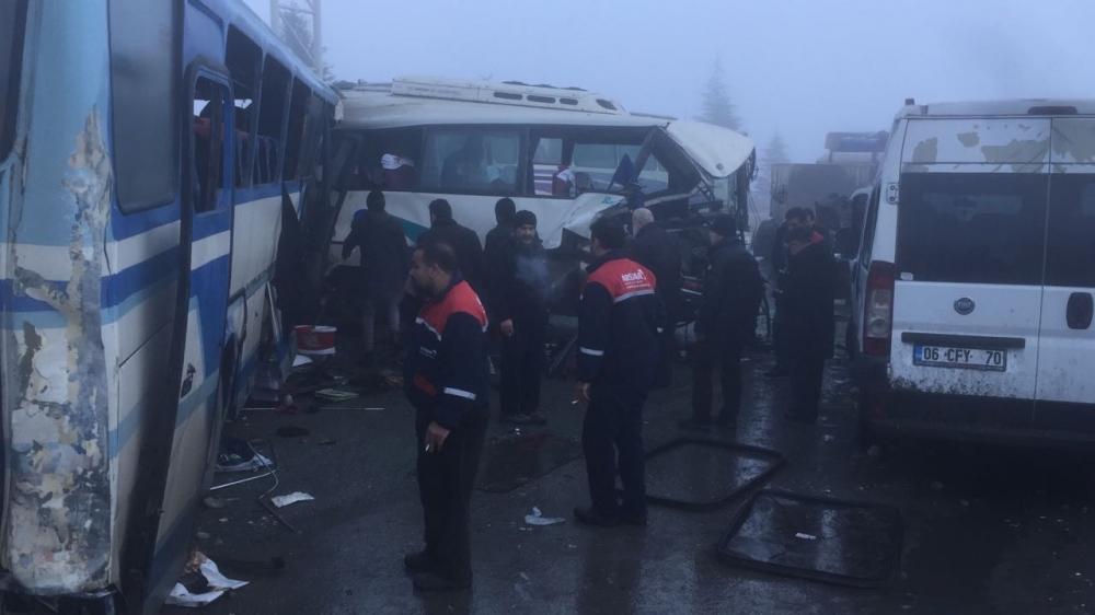 Konya'da zincirleme trafik kazası 4