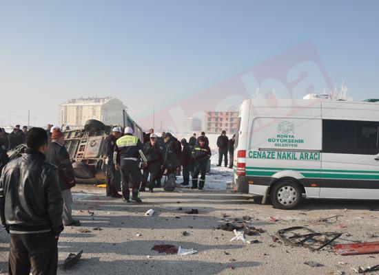 Konyada feci kaza: 5 ölü 8 yaralı 10