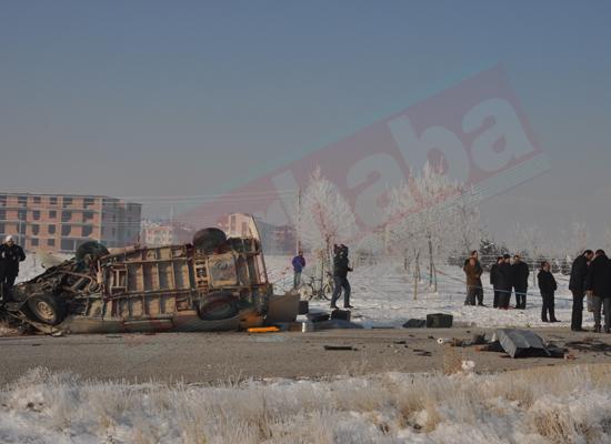 Konyada feci kaza: 5 ölü 8 yaralı 4