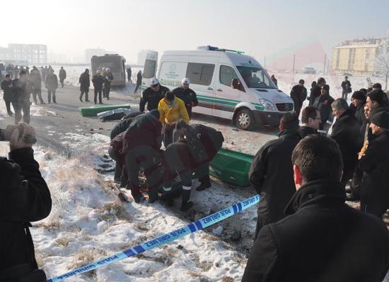 Konyada feci kaza: 5 ölü 8 yaralı 8