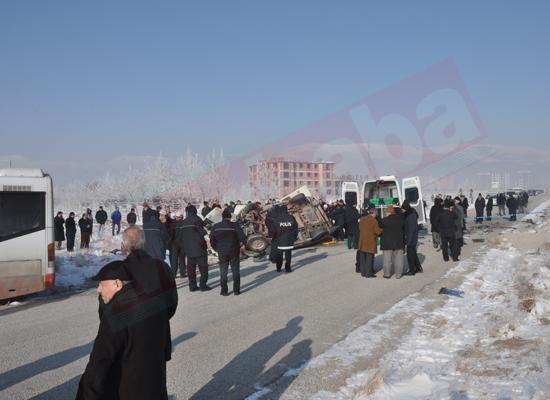Konyada feci kaza: 5 ölü 8 yaralı 9