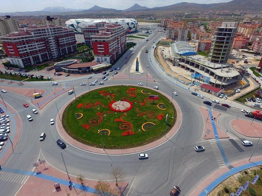 Milyonlarca lale Konya'yı süslüyor 7