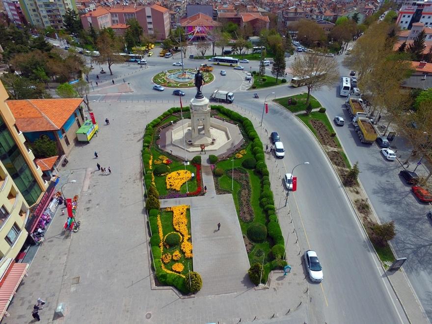 Milyonlarca lale Konya'yı süslüyor 8