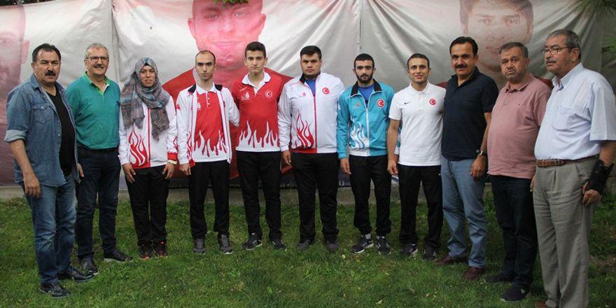 Şampiyonlara ASKF'den ödül