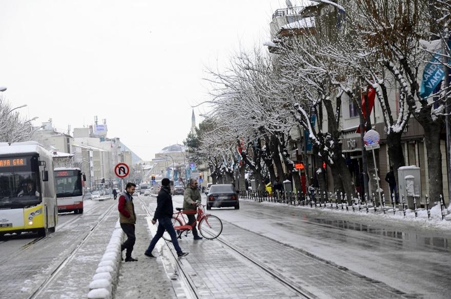 Şehir beyaza büründü 9