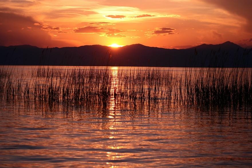 Beyşehir Gölü'nde günbatımı kartpostallık görüntüler oluşturduKaynak: Be 10