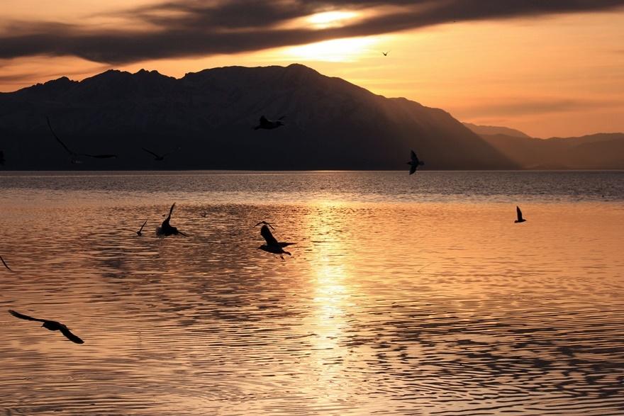 Beyşehir Gölü'nde günbatımı kartpostallık görüntüler oluşturduKaynak: Be 11
