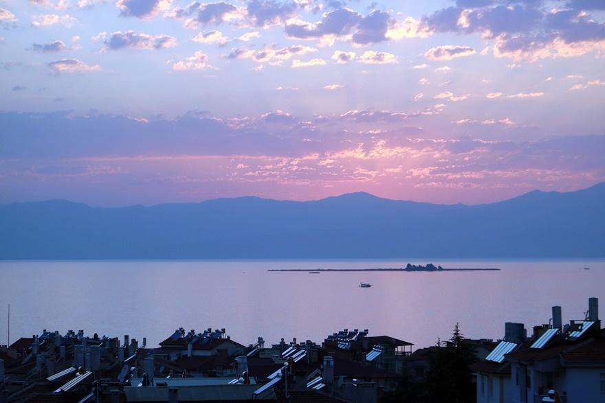 Beyşehir Gölü'nde günbatımı kartpostallık görüntüler oluşturduKaynak: Be 13