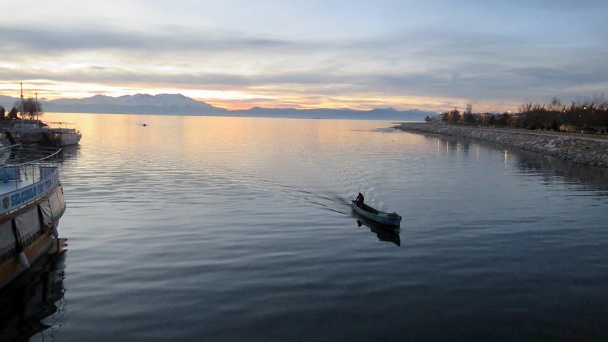 Beyşehir Gölü'nde günbatımı kartpostallık görüntüler oluşturduKaynak: Be 14