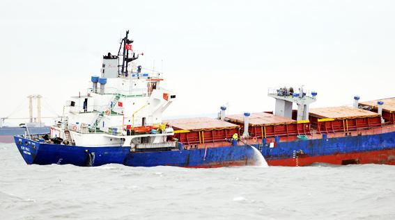 Gemi kurtarma çalışmaları böyle devam ediyor 6