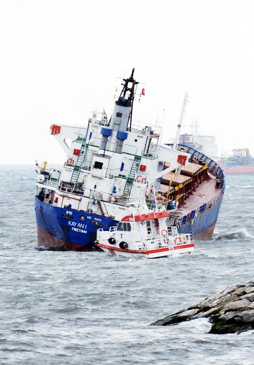 Gemi kurtarma çalışmaları böyle devam ediyor 8