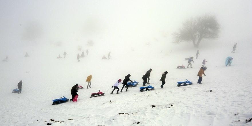Aladağ, kayak tutkunlarını ağırlamak için tesisleşmeyi bekliyor 1