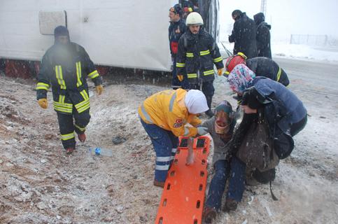Konyada Otobüs devrildi 1 ölü 23 yaralı 7