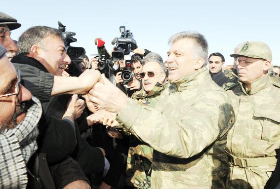 Abdullah Gül TSK tatbikatına kamuflaj giydi 2