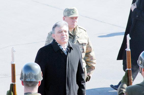 Abdullah Gül TSK tatbikatına kamuflaj giydi 4