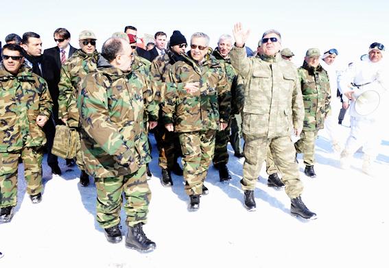Abdullah Gül TSK tatbikatına kamuflaj giydi 5