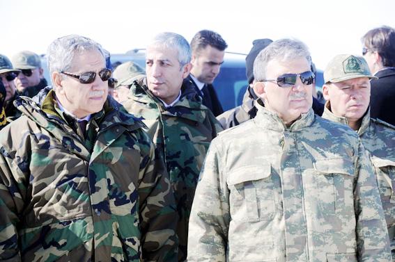 Abdullah Gül TSK tatbikatına kamuflaj giydi 6