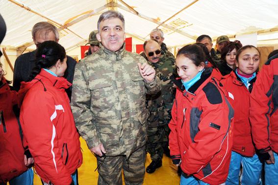 Abdullah Gül TSK tatbikatına kamuflaj giydi 7