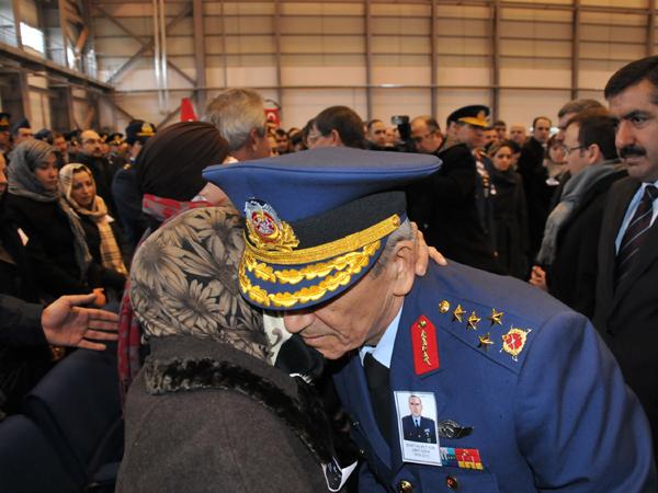 Şehit Pilot törenle uğurlandı 13