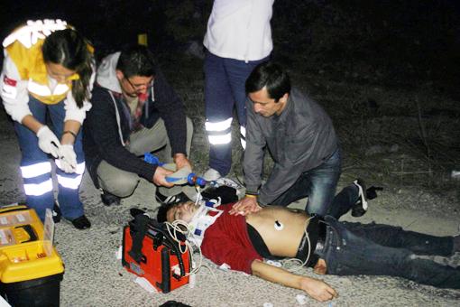 Trafik kazası 2 ölü 4