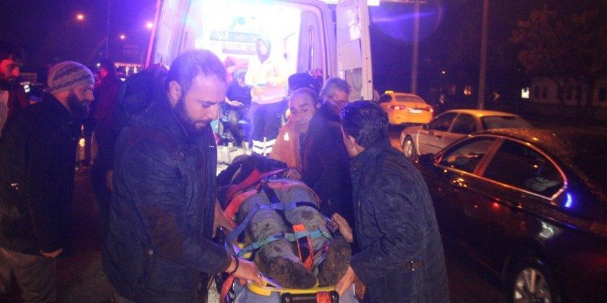 Kaza yapan sürücüye yardıma gidenlere otomobil çarptı: 2 ölü, 3 yaralı
