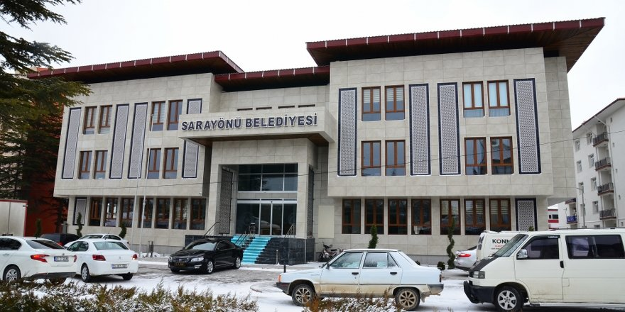 Sarayönü Belediyesi yeni binasına geçti