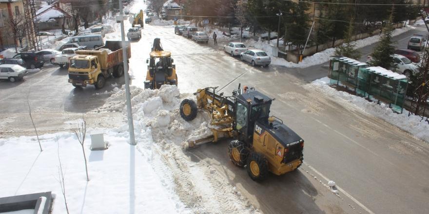 Derebucak'ta kar temizleme çalışmaları