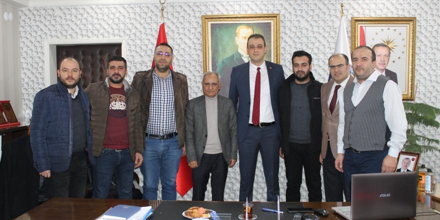 Akbulut'tan eğitime destek verenlere plaket