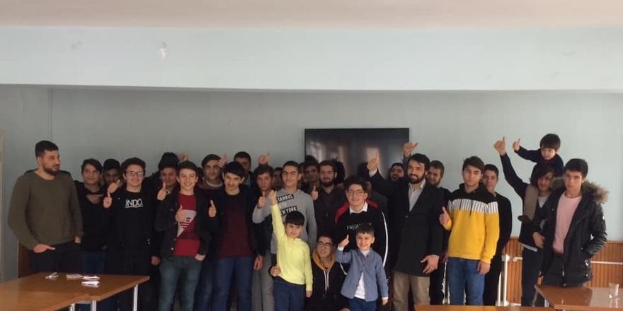 AGD'li gençler Isparta'da kamp yaptı