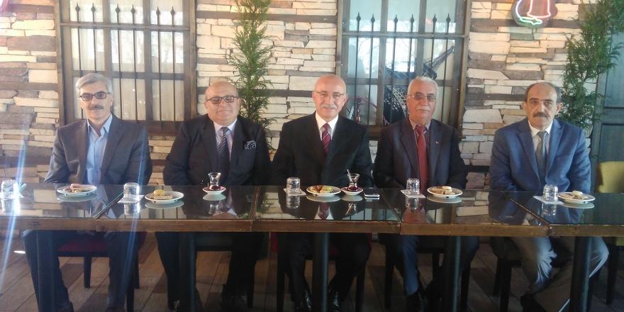 Abdulkadir Çat bağımsız başkan adaylığını açıkladı