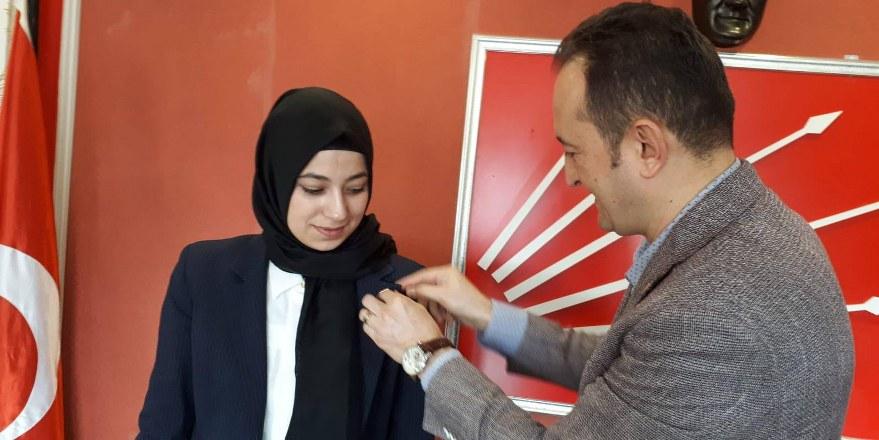 CHP'nin ilk başörtülü adayı Türedi: Davutoğlu'nun ailesinden de oy alacağım