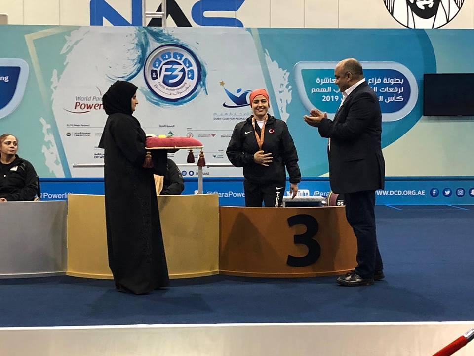 Meramlı halterciler Dubai'den 5 madalya ile döndü