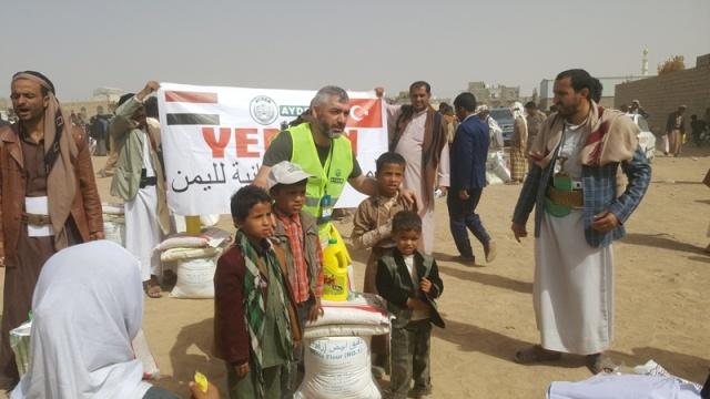 Yemen'de yokluk ve  sefalet kol geziyor